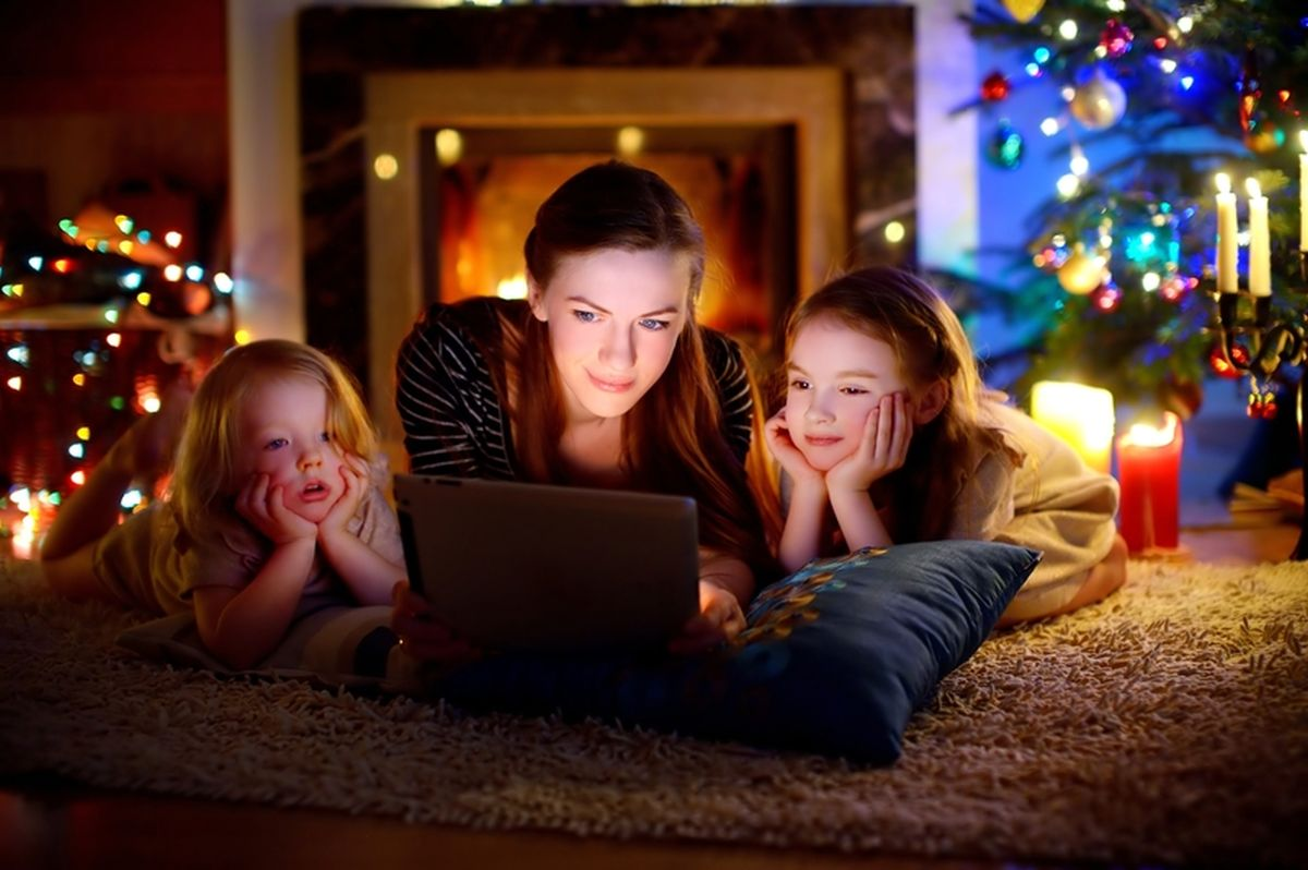 5 Family Christmas Movies on Netflix to Snuggle Up and Watch