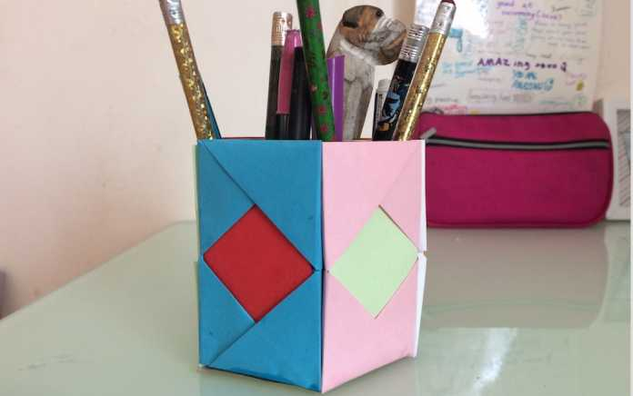 how to make a pen holder from paper craft
