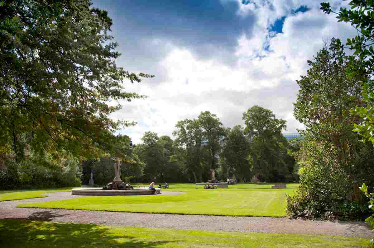Picnic places in Ireland Iveagh Gardens –ICP (1)
