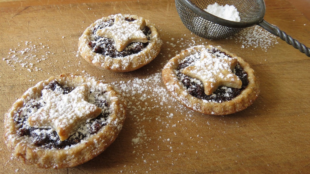 tips to save time on Christmas dinner mince pies