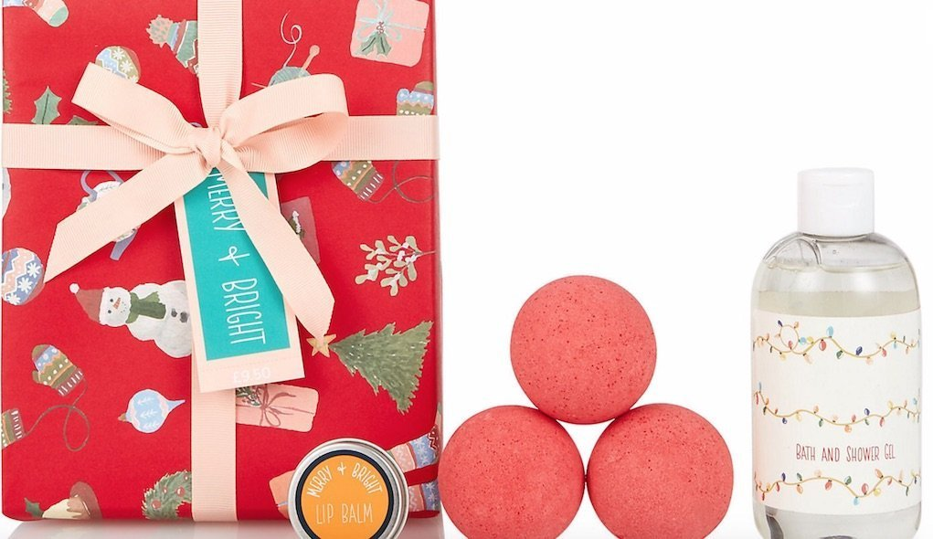 Merry and bright wrapped beatuy gift set from M&S festive gifts for under €20