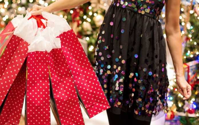 Win a 100 gift card kids clothes shopping