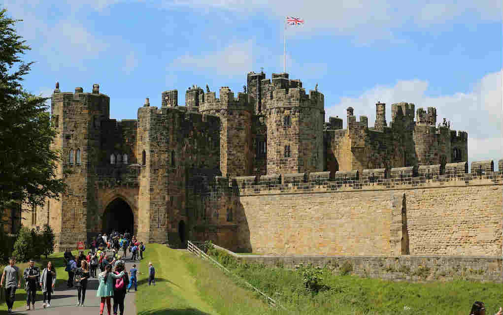 Alnwick Castle - Mykidstime castles in England, Scotland and Wales