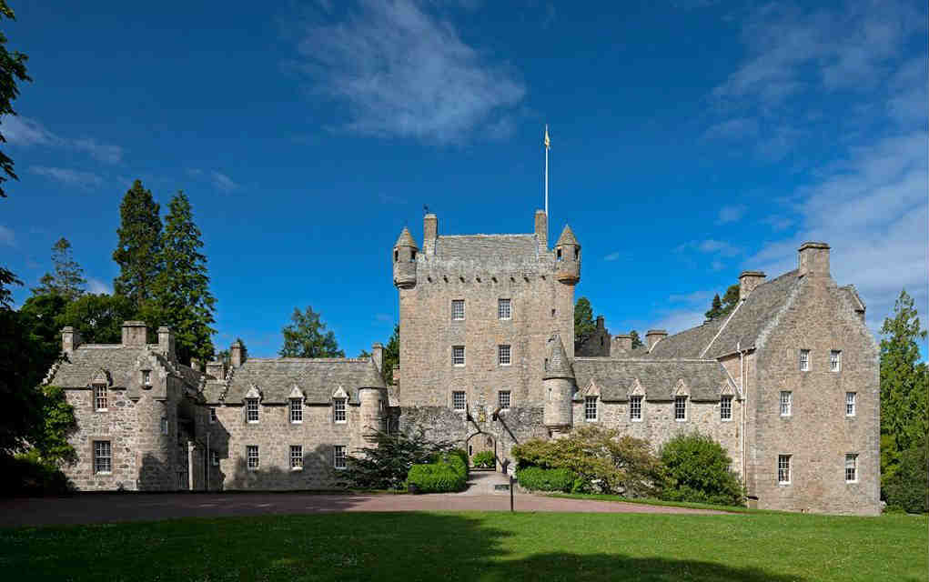 Cawdor Castle - Mykidstime castles in England, Scotland and Wales