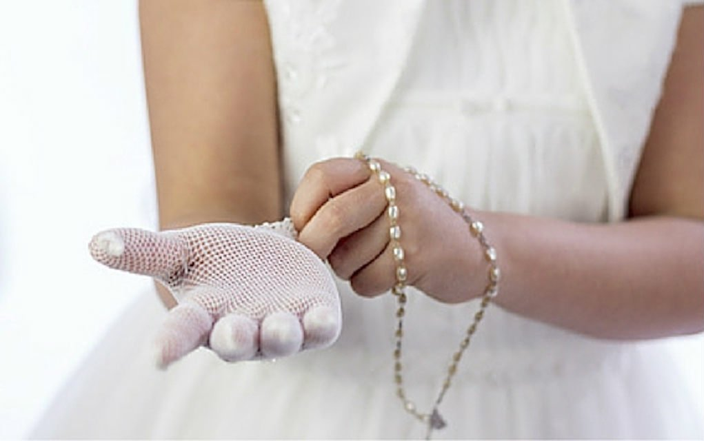 How-to-Save-Money-on-Cost-of-First-Communion