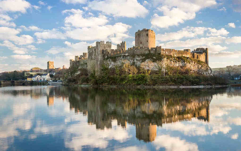Pembroke Castle - Mykidstime castles in England, Scotland and Wales