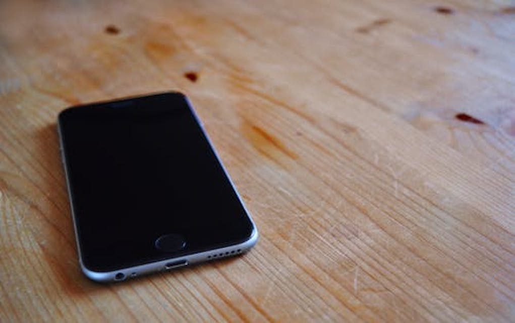 Great Ways To Budget And Save As A Family old phones