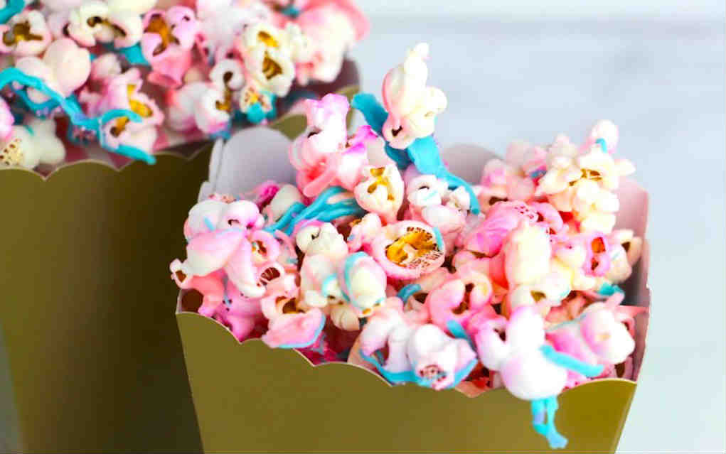 Unicorn Popcorn - Life Love Liz - Mykidstime unicorn party food