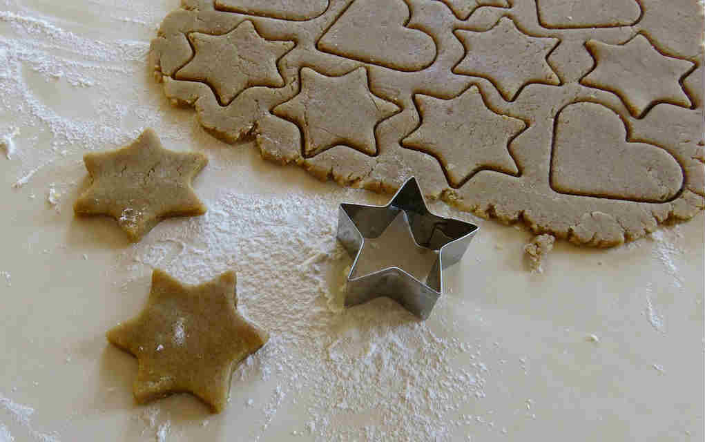 Gingerbread salt dough - Mykidstime