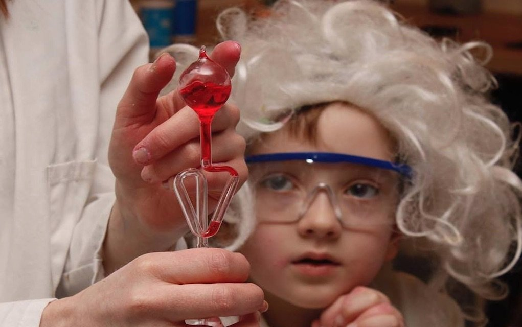 Junior Einsteins science experiment to do at home