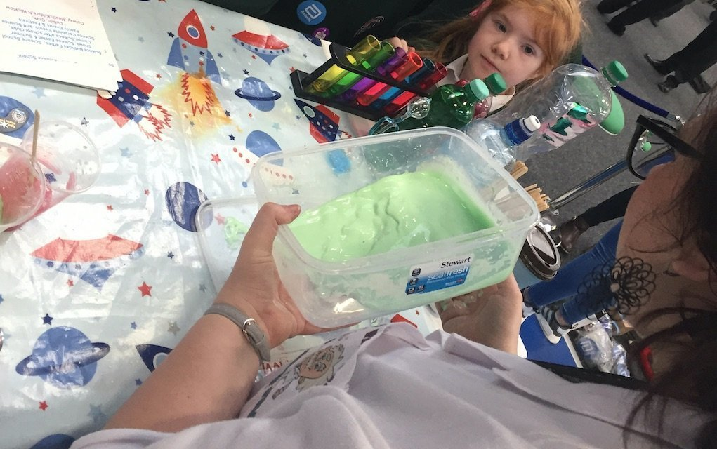 junior einsteins science club slime experiment to do at home