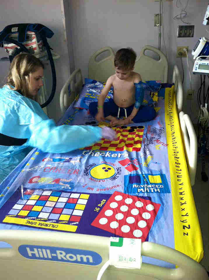 CHild playing board game bed sheets - Mykidstime