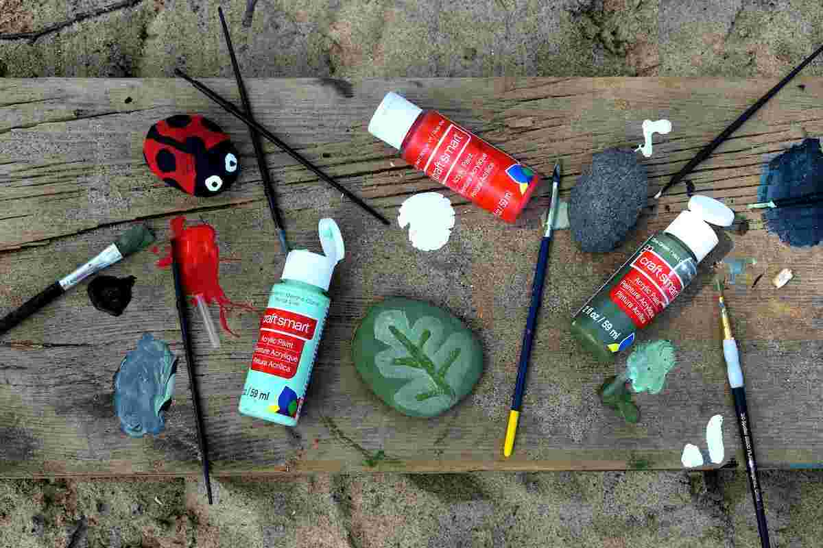 Rock painting garden crafts