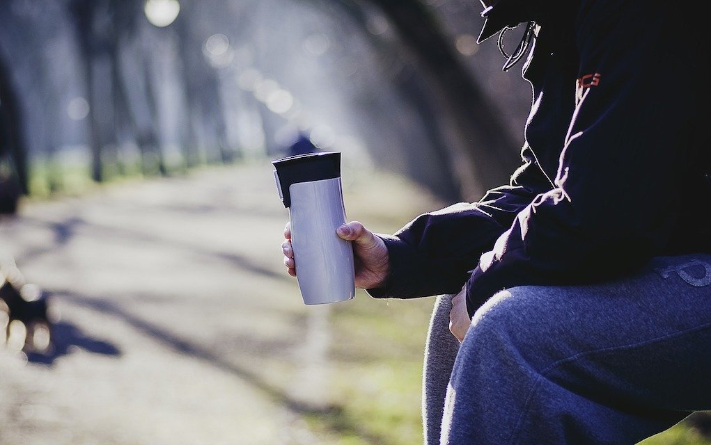 reusable coffee cups help reduce your energy usage