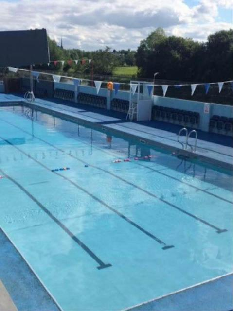 Bagenalstown Carlow outdoor swimming pool - Mykidstime