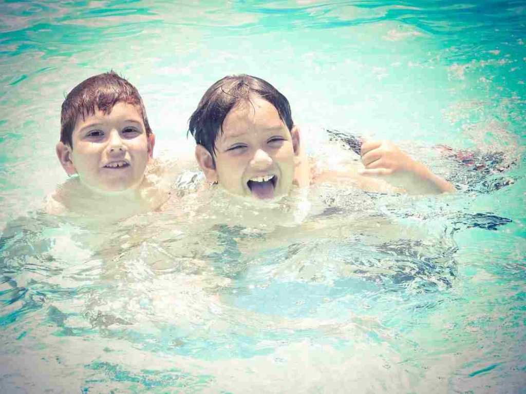 tips on water safety kids in pool