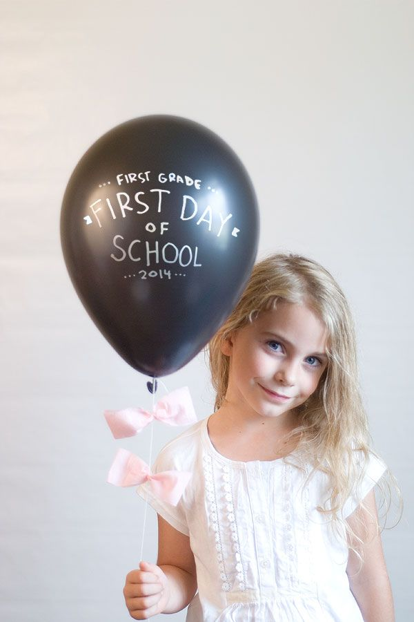 1st day of school photo balloon idea