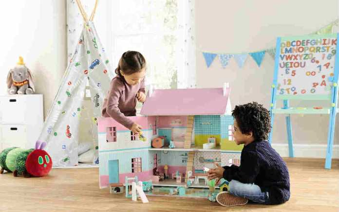 Aldi toy event wooden doll's house