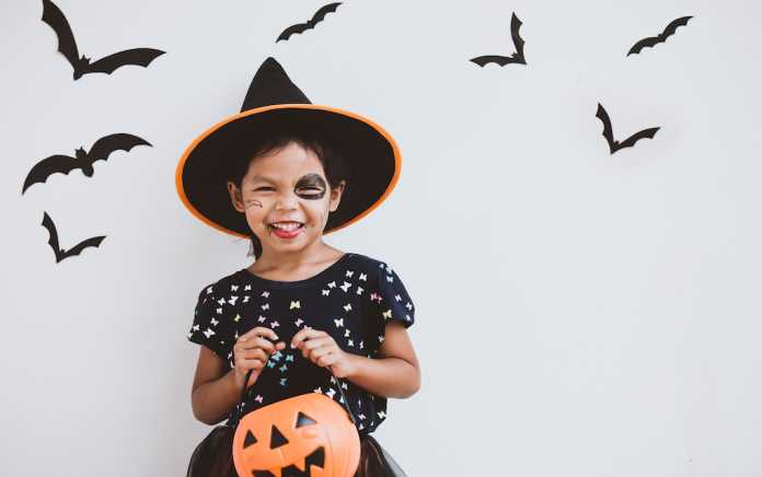 tips to protect your teeth from treats this Halloween