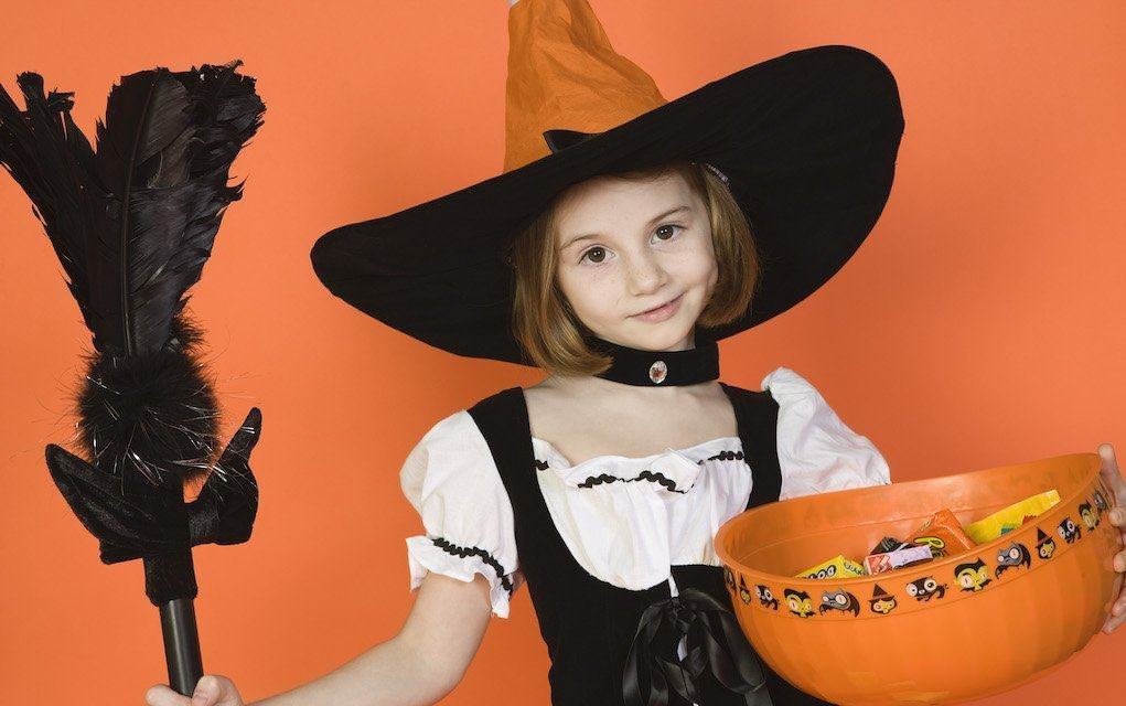 restrict the intake of Halloween treats tips to protect your teeth from treats