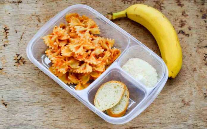 Simple pasta salad kids lunch