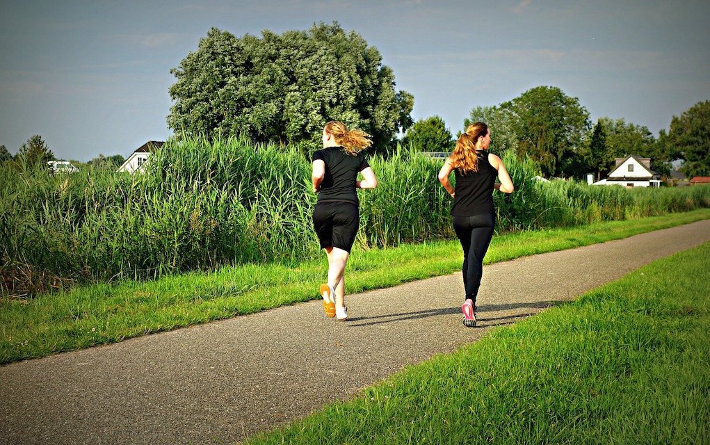 friends jogging get active lose the bulge after Christmas