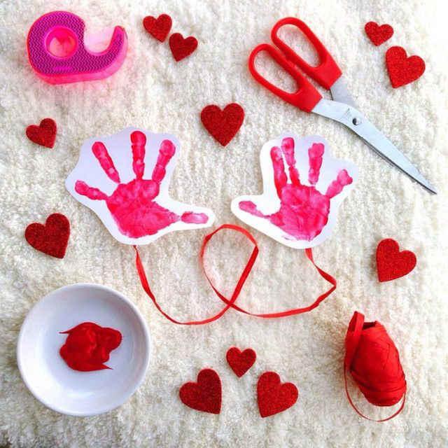 handprint hug-o-gram