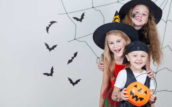 Halloween with no trick or treating (1)