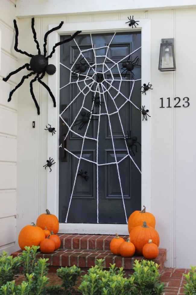 halloween door spiderweb