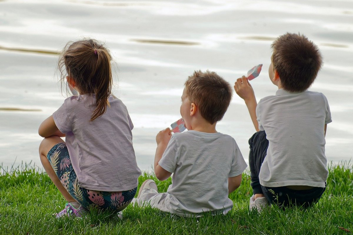 eating ice cream family days out with dining options