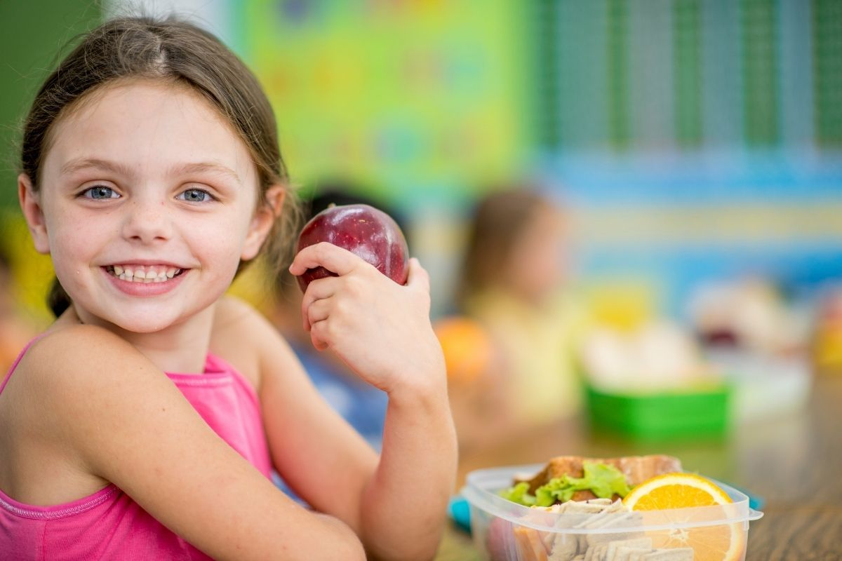 Lunch Box tips to avoid school lunch food waste