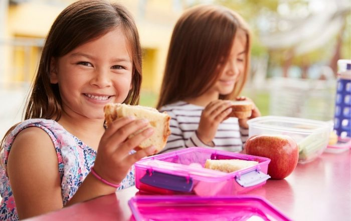 Practical tips to avoid school lunch food waste