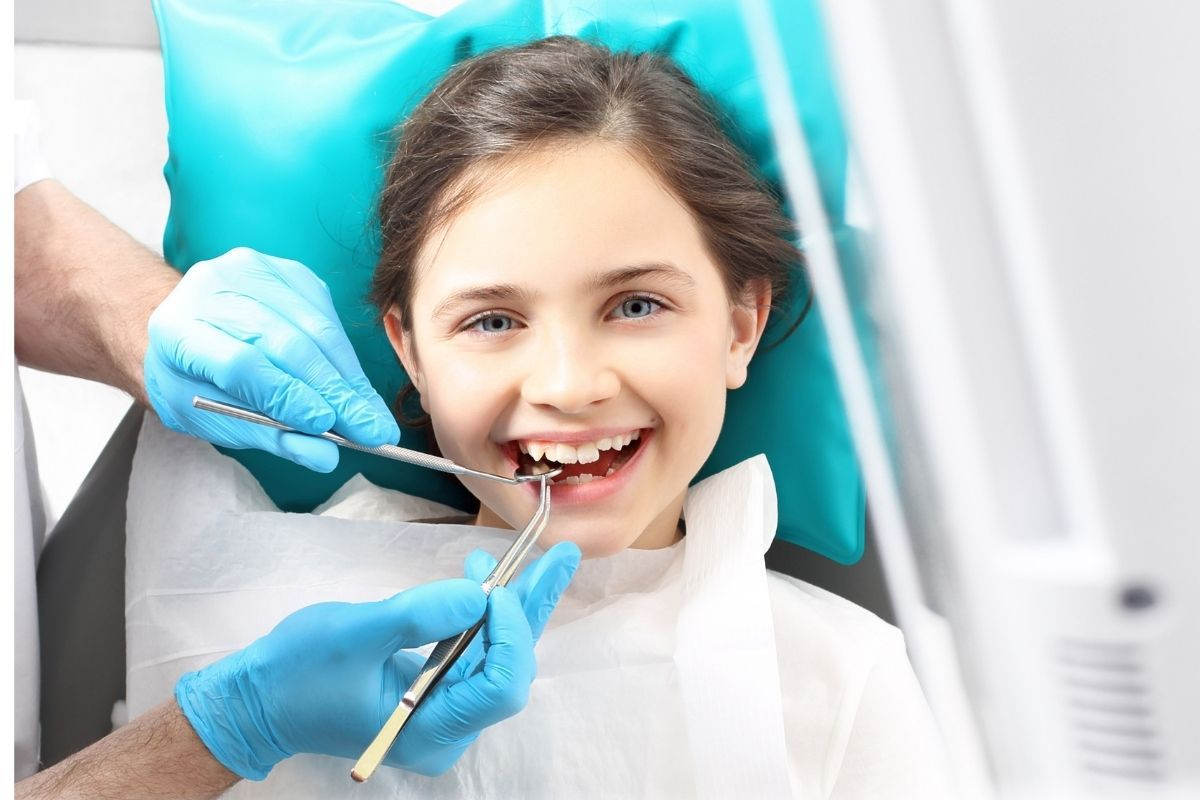 How to make brushing teeth fun for kids visiting the dentist