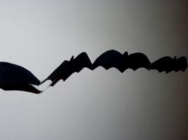 Halloween-paper-chains-bats