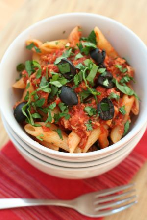 pasta-with-tuna-tomatoes-and-olives